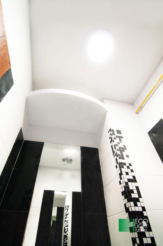 Oświetlenie łazienki świetlikiem rurowym
